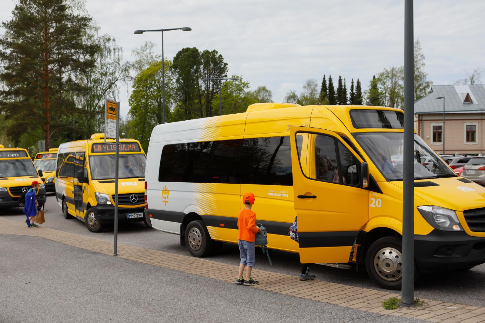 Liedon pikkubussiliikenteen kilpailutus tuo Fölille säästöjä